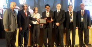 Dr G. Satheesh Reddy receiving the IEI (India)-IEEE (USA) Award for Engineering Excellence from Shri AS Kiran Kumar, Chairman ISRO & Dr Barry L. Shoop, President, IEEE (USA)