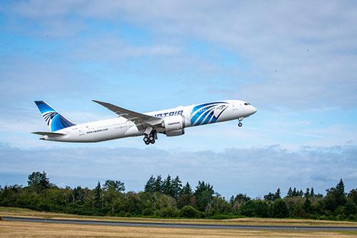 Boeing 787 Dreamliner for EGYPTAIR Flies