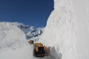 Border Roads Organisation clears Rohtang Pass three weeks in advance