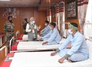 The Prime Minister, Shri Narendra Modi visits Army hospital