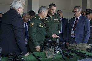 Russian Defence Minister for accelerating tests of  Kalashnikov small arms for pilots